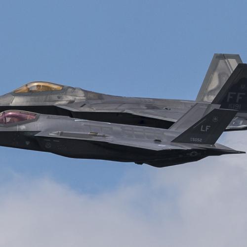 Tech it to the sky – F-35 vs F-22